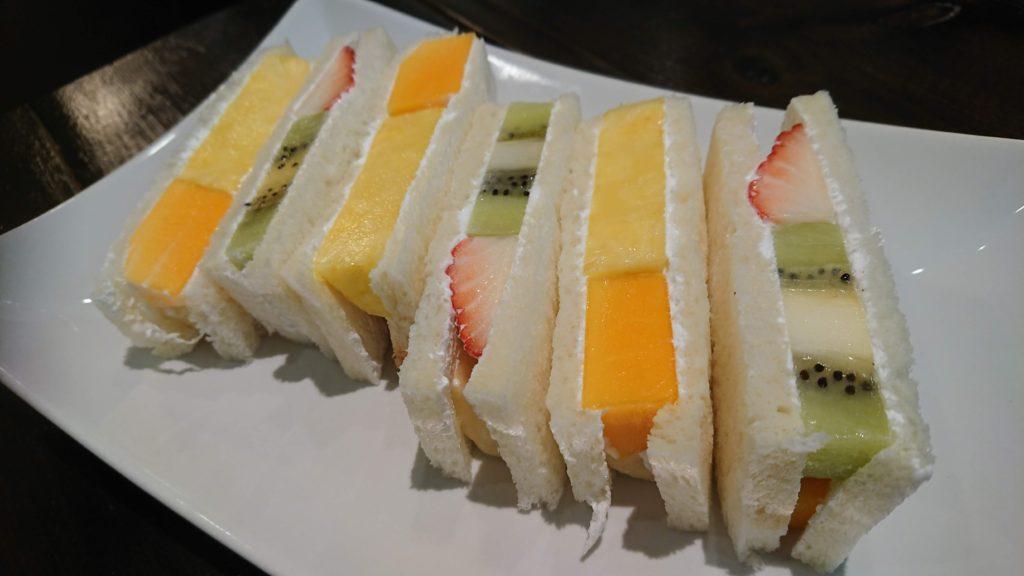 ツルザワのフルーツサンド
